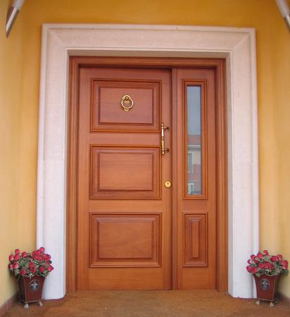 Fabricamos puertas de madera for Disenos de puertas de madera para exterior